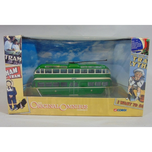 47 - Collection of boxed model buses including 11 Corgi Omnibus, a Bedford coach Corgi Classic and 9 othe...