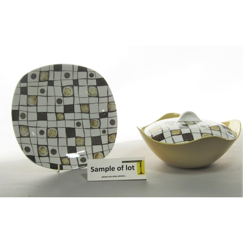 1021 - A collection of Midwinter Stylecraft dinnerwares in the Homespun pattern, comprising a pair of turee...