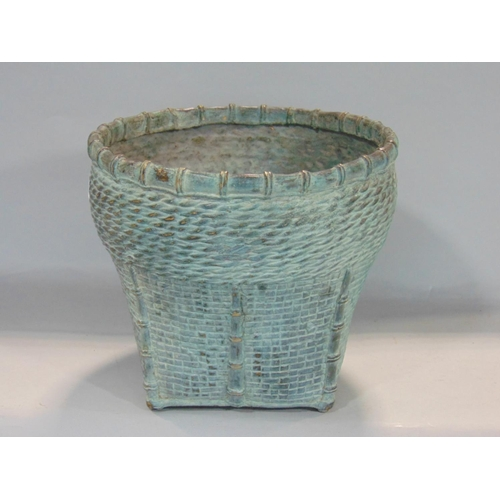 Good quality Chinese patinated cast bronze jardinière in the form of a weaved basket, 21 cm high