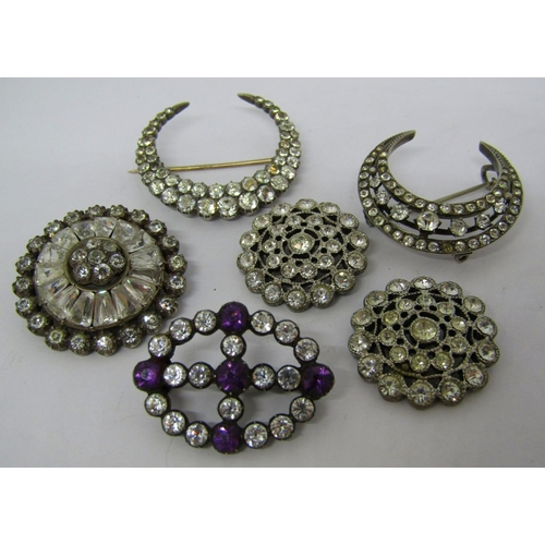 Collection of paste set jewellery comprising four good quality antique white metal brooches and a pair of buttons (6)