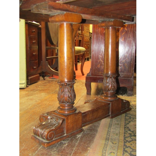 2488 - A good quality late Victorian/early Edwardian walnut D end extending dining table, raised on three p...
