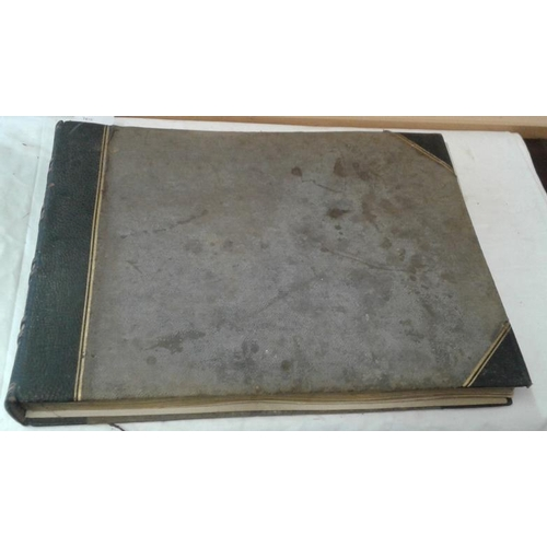 192 - Photo Album. Continental interest, circa 1890. Large format. Approx.. 86 photos. Paris, Rome, Monaco...