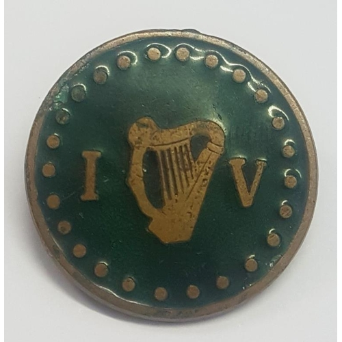 11 - Irish Volunteers Brass and Enamel Badge c.1915, on reverse