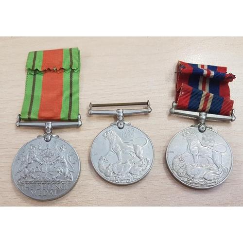 289 - The Defence Medal 1939-45 and two 1939-45 War medals...