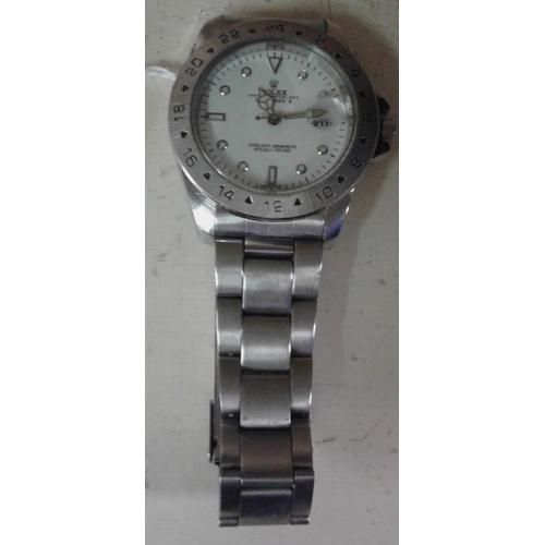 335 - Replica Rolex Gold Watch...