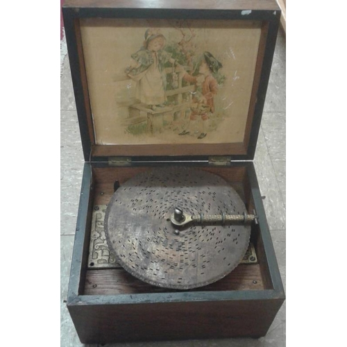 475 - Victorian Disc Playing Music Box...