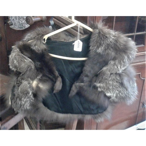 666 - Selection of Fur Clothing...
