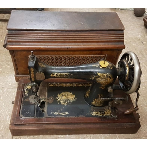 21 - Vintage Singer Sewing Machine...