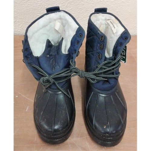 103 - New Pair of Men's Boots Size 44...