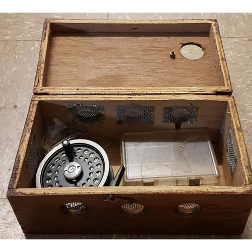 19 - Live Mayfly Box with Fly Reel and Flies...