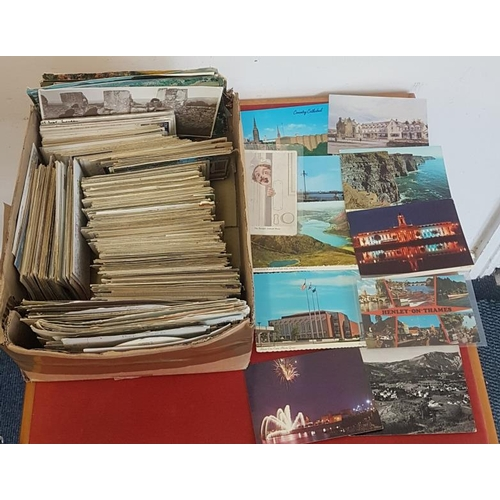 14 - <em>Postcards.</em> Large collection of modern, mostly used cards. Irish and foreign. Many attractiv...