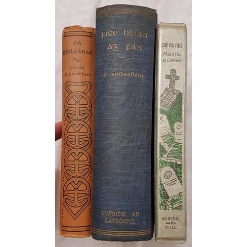29 - Ó Criomhthain, Tomás. <em>An t-Oileánach</em>; Ó Suilleabháin, Muiris. <em>Fiche Blian ag Fás 1933</...