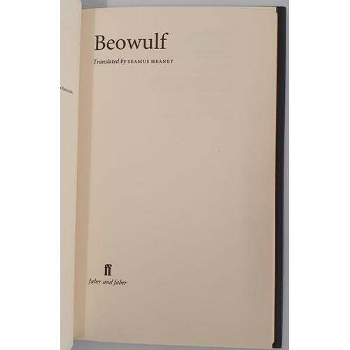 32 - Seamus Heaney. <em>Beowulf.</em> 1999. 1st edit....