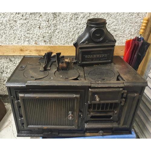 8 - Victorian Spaewife Portable Cast Iron Range (A/F) - 36 x 20ins...