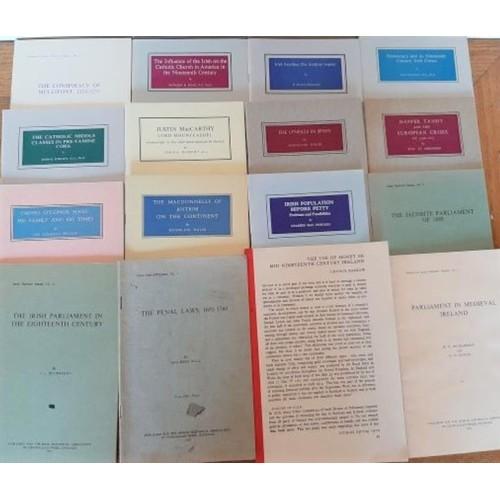 537 - Bundle of <em>Irish History</em> booklets...