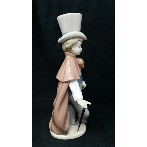 61 - Lladro figure 1993 8.75 inches high...