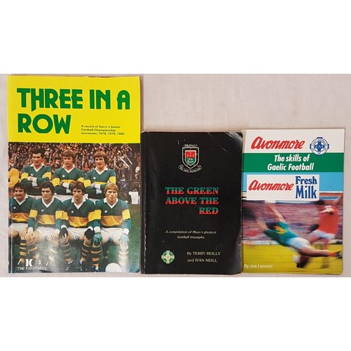 23 - Mayo & Kerry G.A.A. - <em>The Green Above The Red - A Compilation of Mayo's greatest football tr...