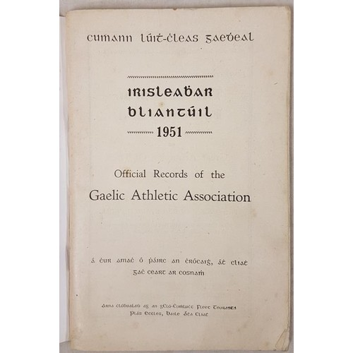 19 - Irisleabar Bliantúil 1951 - Official Records of the Gaelic Athletic Association 1951. Printed...