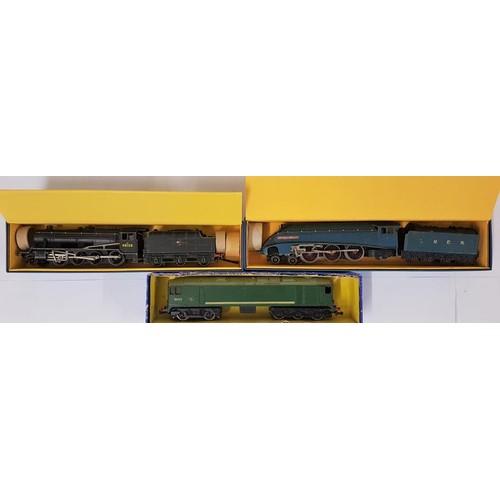 15 - Three Hornby Dublo 00 Gauge Model Locomotives - EDL 1 Loco & Tender L.N.E.R.