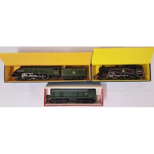 16 - Three Hornby Dublo 00 Gauge Model Locomotives - EDL 11 Loco & Tender E.R.