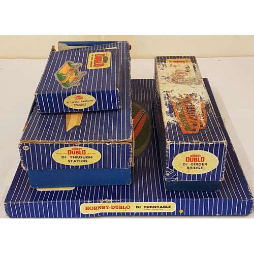 27 - Collection of Four Hornby Dublo OO Gauge Accessories to include D1 Turntable, D1 Through Station, D1...