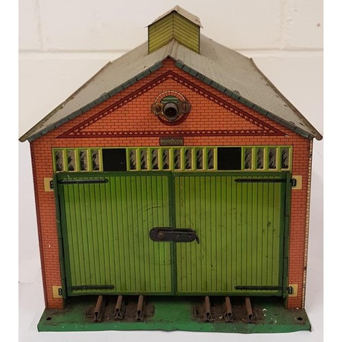 58 - Hornby EngineShed and Signal
