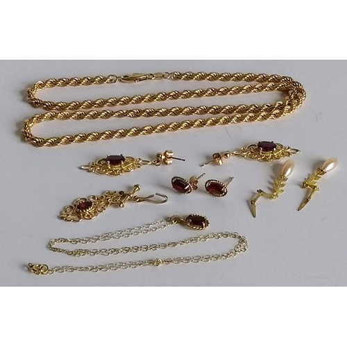 272 - A selection of 9ct gold jewellery to include gem-set earrings, pendants and chain, all hallmarked, 1...