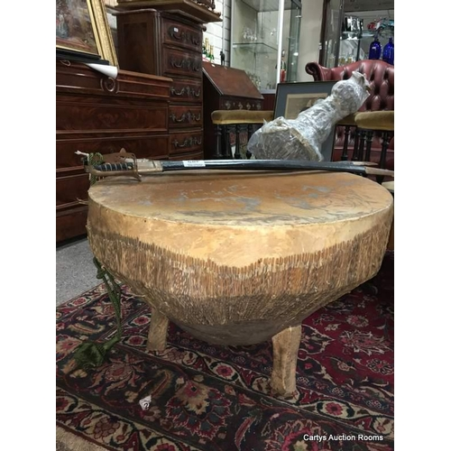 Hide Round Coffee table