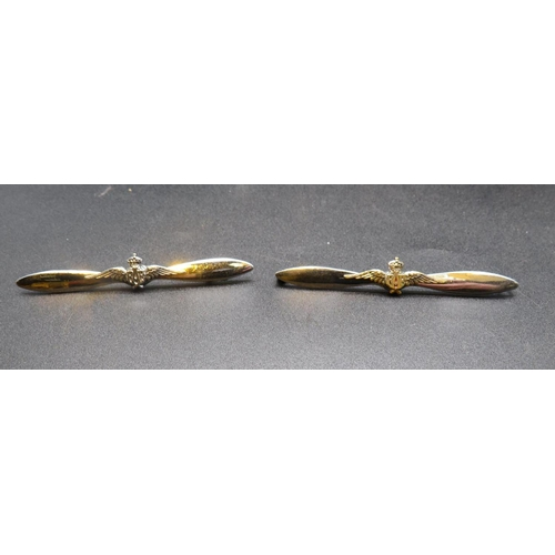 269 - A PAIR OF PROPELLER SHAPED R.A.F PILOTS BROOCHES...