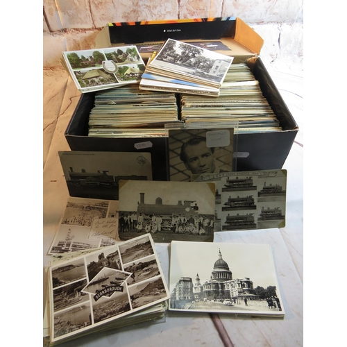 499 - A COLLECTION OF APPROXIMATELY 1,000 POSTCARDS - VARIOUS THEMES...
