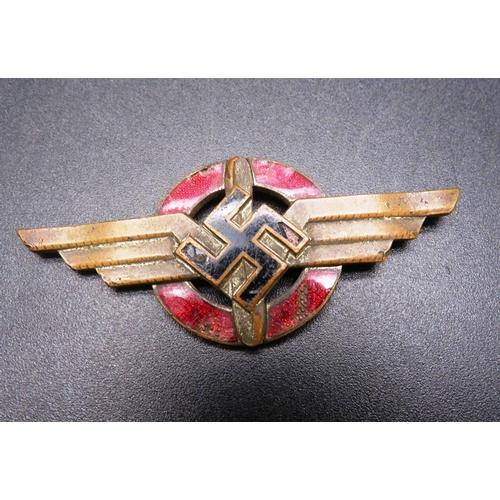 354 - EARLY VINTAGE - GERMAN ENAMEL FLYING BADGE...