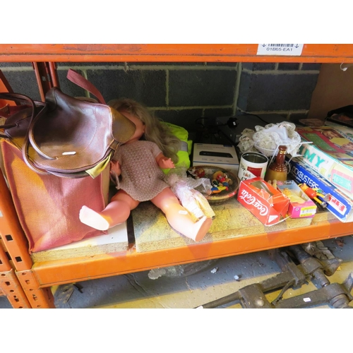 29 - A SHELF LOT - CONTAINING MIXED ITEMS...