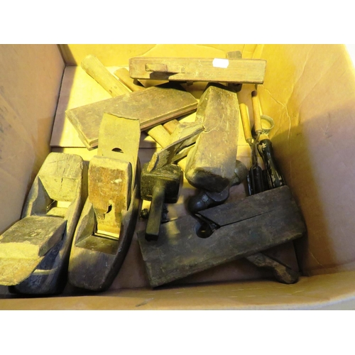 51 - A BOX OF - VINTAGE PLANES AND CARPENTERS TOOLS...