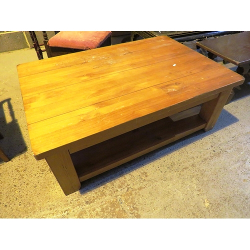 35 - COFFEE TABLE...