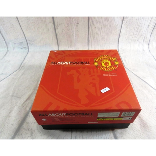 44 - MANCHESTER UNITED - TRIVIA GAME...