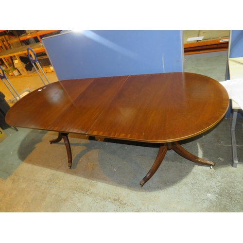 46 - EXTENDING DINING TABLE...