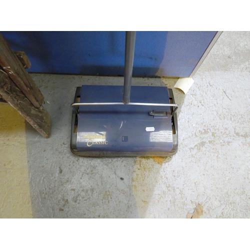 47 - VINTAGE EWBANK CLASSIC CARPET SWEEPER...