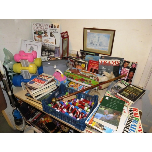 40 - A JOB LOT OF ASSORTED ITEMS INCLUDES, GAMES, TOYS, JIGSAWS ETC...