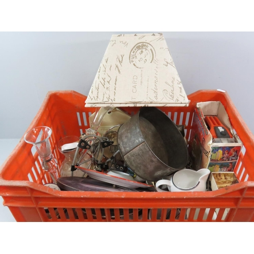 9 - A TRAY OF COLLECTABLES AND MISC ITEMS...