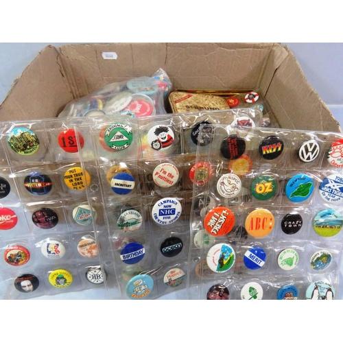 24 - BOX OF VARIOUS BADGES...