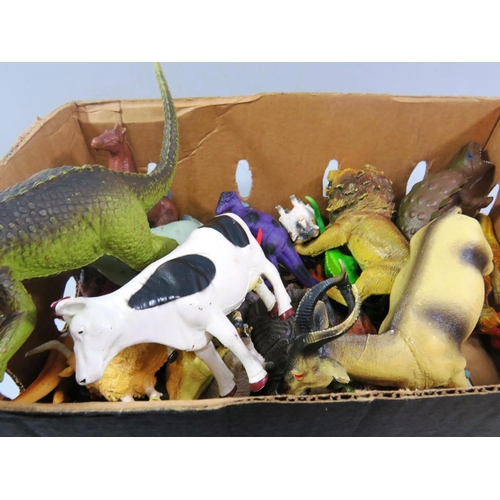 31 - BOX OF FARM AND OTHER ANIMALS...