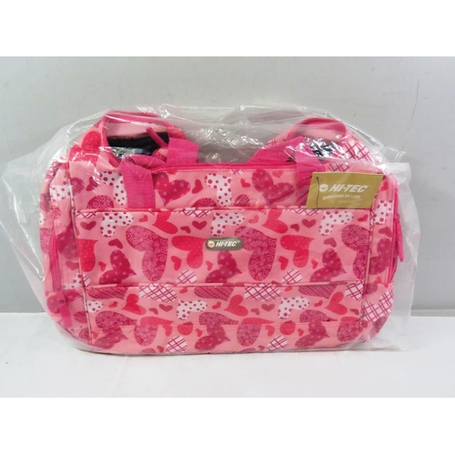 9 - HI-TEC PINK LOVE HEART HOLDALL PACKED AS NEW...