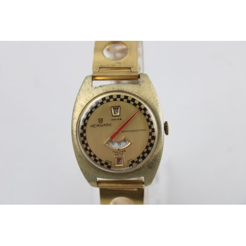 172 - RARE Vintage Gents NEWMARK Gold Tone Jumping Hours WRISTWATCH Hand-Wind WORKING...