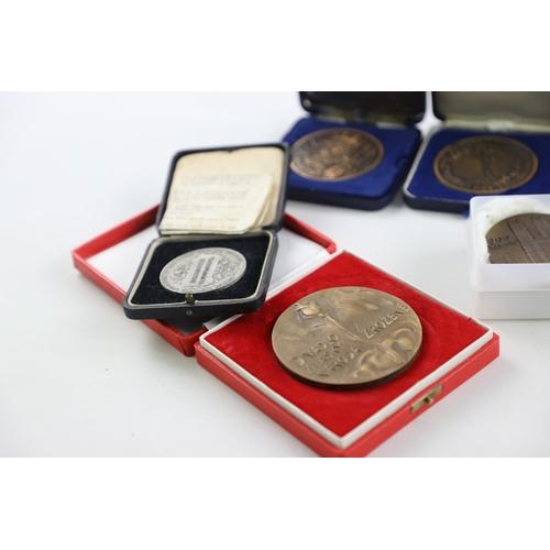 216 - 14 x Antique / Vintage Commemorative Medallions Inc Westminster Abbey, Cased Etc...