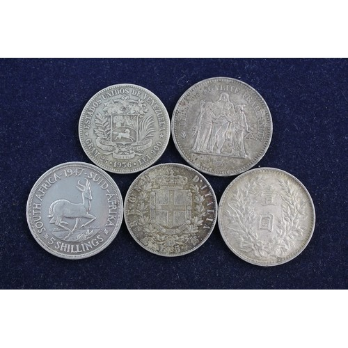 45 - 5 x Vintage Mixed SILVER Coins Inc Italy, South Africa, China, Venezuela (135g)...