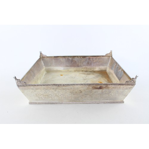 32 - Vintage Large Chased SILVER PLATE Sqaure Footed Wedding Cake Stand (3450g)...
