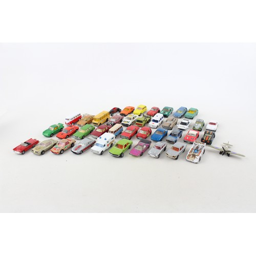 39 - 40 x Vintage MATCHBOX / CORGI Etc Diecast Models Inc. Cars, Ambulance, 007 Etc...