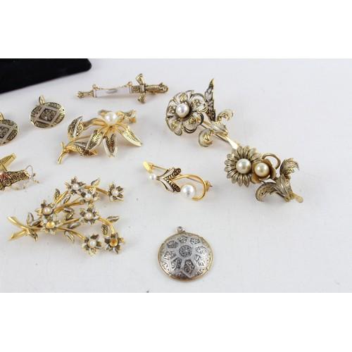 30 - 20 x Vintage TOLEDO WEAR & DAMASCENE JEWELLERY inc. Brooches, Bangle, Bracelets...