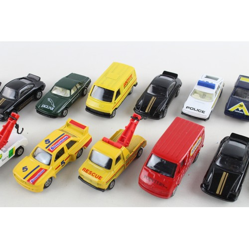 53 - 18 x Assorted Boxed CORGI Die Cast Models Inc. Ford Transit Van, Renault Trafic...