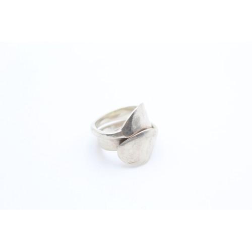 30 - Vintage Sterling Silver Minimalist Design Ring...